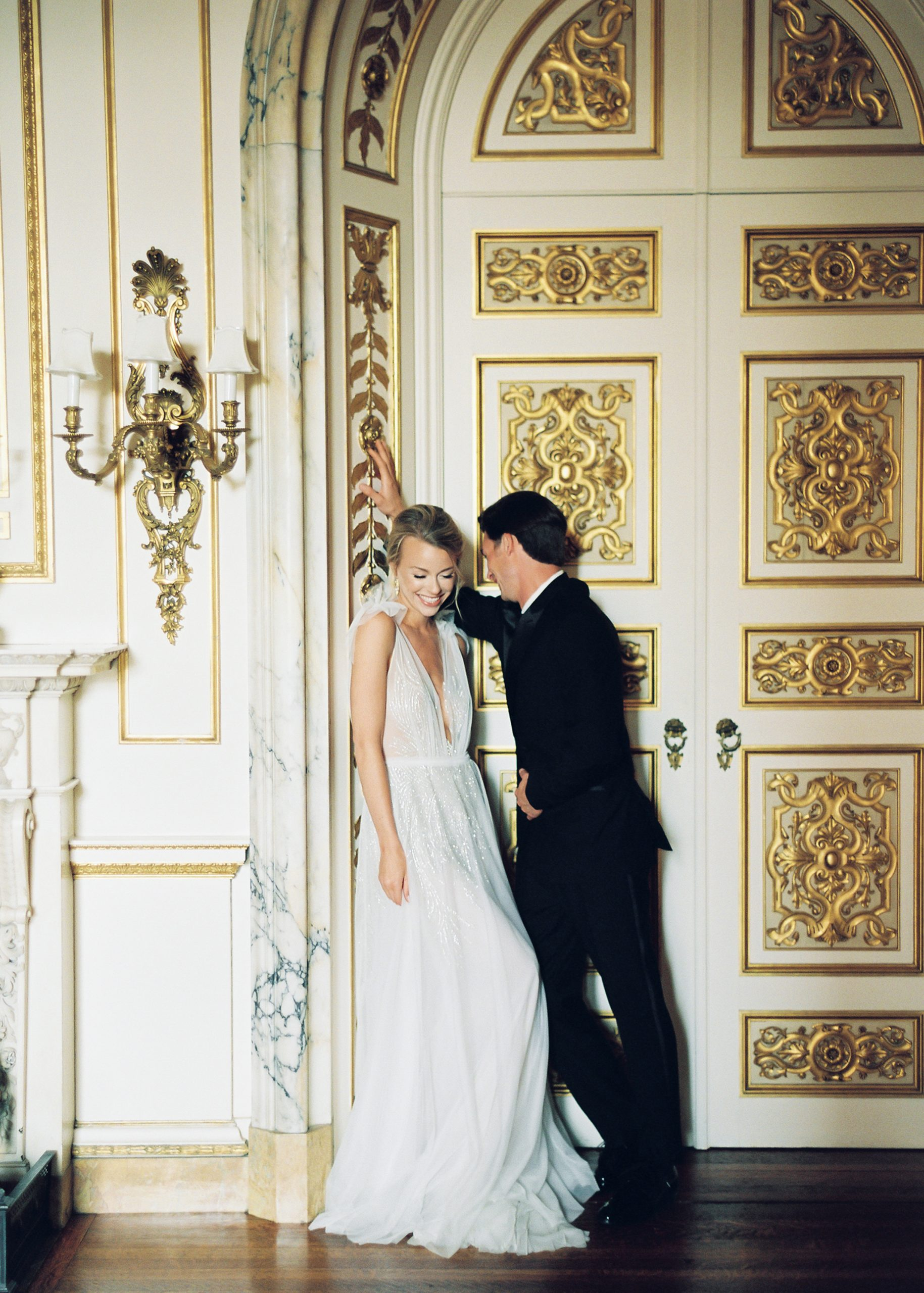 <h2>Gilt backdrops in the English Drawing Room</h2>Photo by Vicki Grafton. Pamela Barefoot Events, planner.