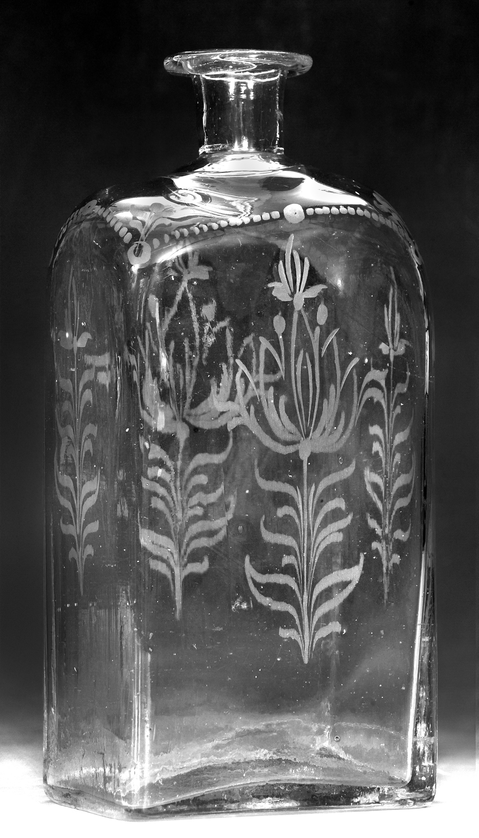 Liquor bottle owned by Moses Rawlings, Late 18th century