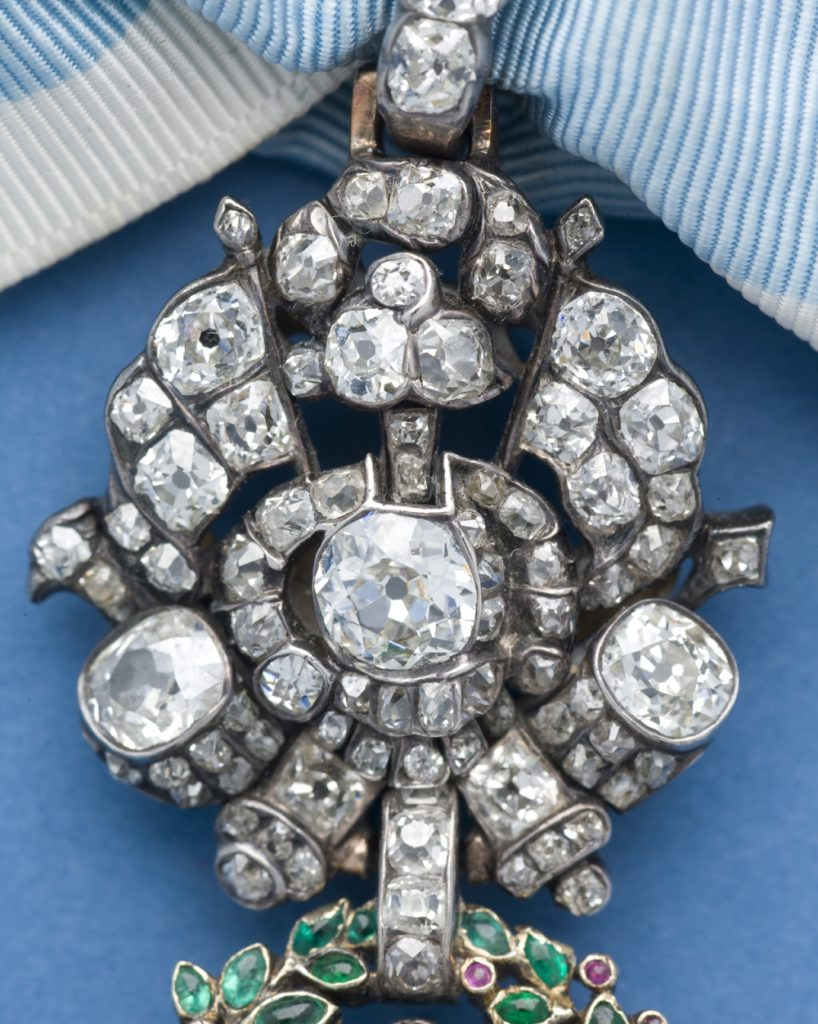 Detail of the almost-circular trophy of the Diamond Eagle insignia